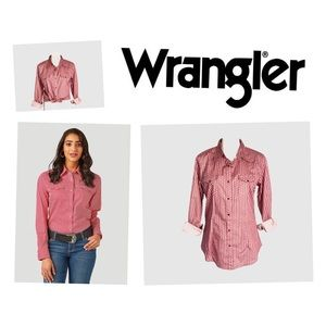 Wrangler Western Women's Button Down Shirt. NWOT